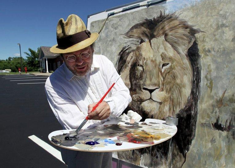 Акции возле клиники где работает убийца льва в Зимбабве