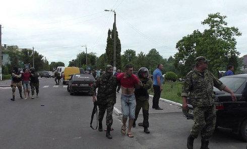 """Столкновения силовиков и """"янтарной мафии"""" в Ровенской области"""
