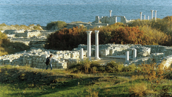 Античные руины Херсонеса на побережье Чёрного моря
