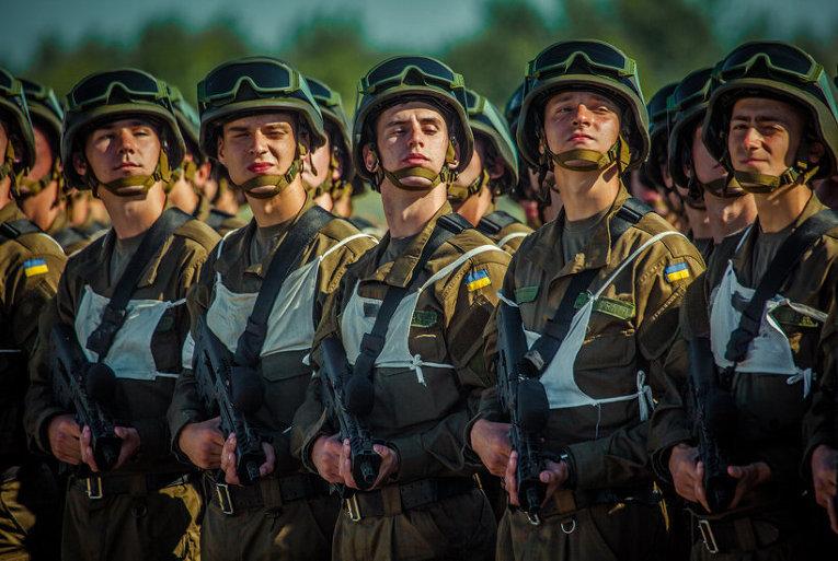 Нацгвардейцы готовятся к параду в честь Дня Независимости