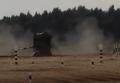 Танк на высокой скорости перевернулся на армейских играх в РФ. Видео