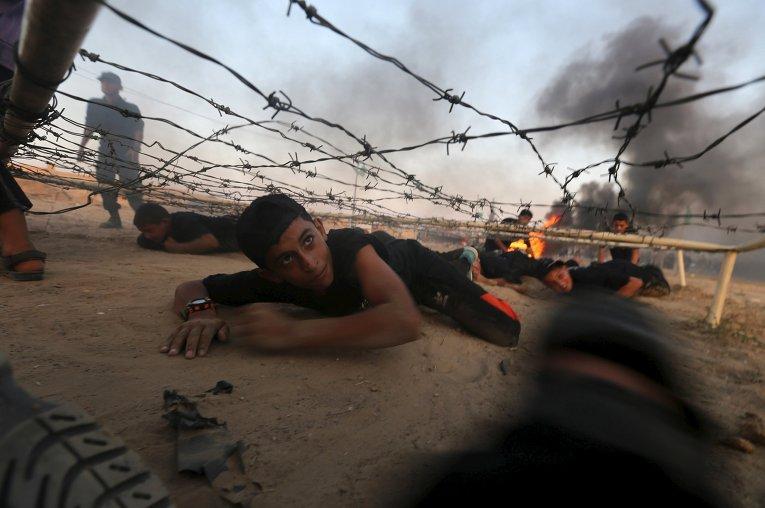Тренировка молодых палестинцев в лагере ХАМАС