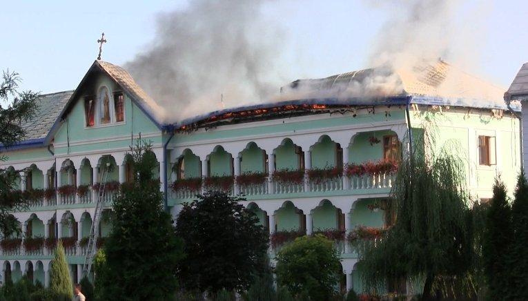 Пожар в Банченском Свято-Вознесенском монастыре