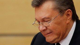 Янукович ломает ручку на пресс-конференции в Ростове-на-Дону