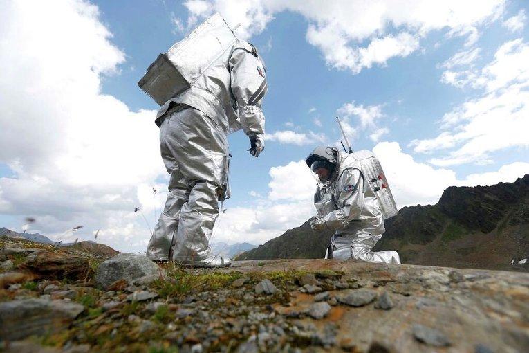 Тренировка будущих покорителей Марса на леднике в Тироле