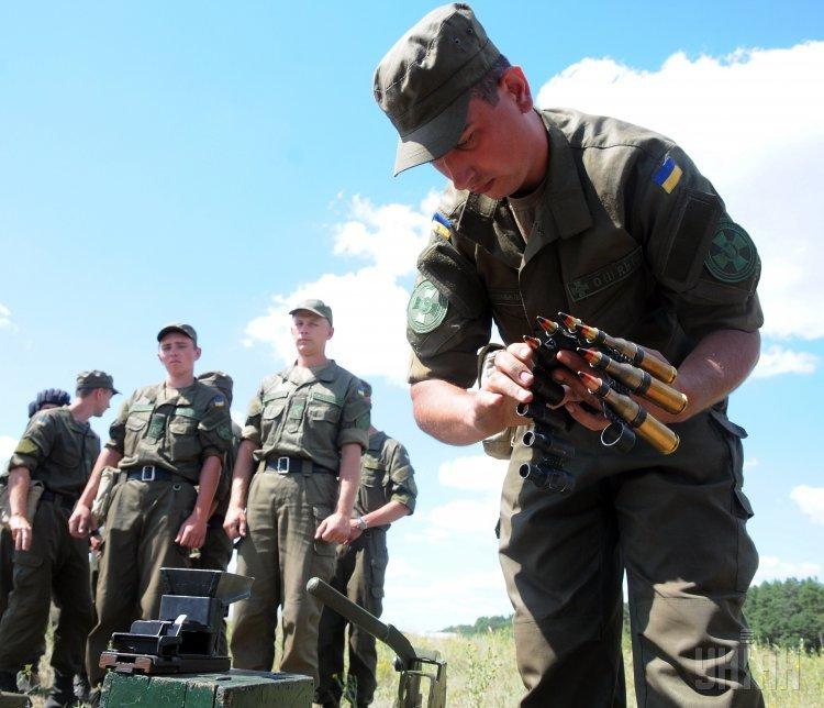 Полевые учения курсантов академии Нацгвардии в Харьковской области
