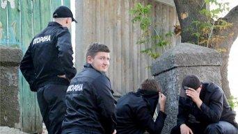 Милиционеры задержали двух участников массовой драки на стройке в Киеве