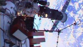 Выход двух членов экипажа МКС в открытый космос
