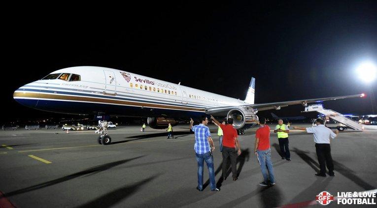 Самолет Севильи приземлился в Тбилиси, где 11 августа пройдет матч за Суперкубок УЕФА