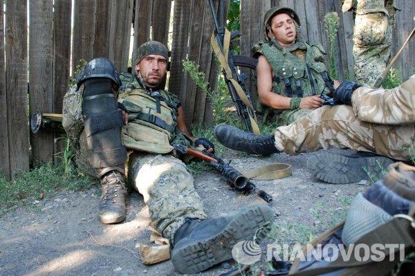 Ополченцы самопровозглашенной ДНР в Иловайске