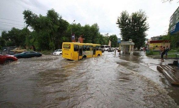 Ливень затопил Благовещенск