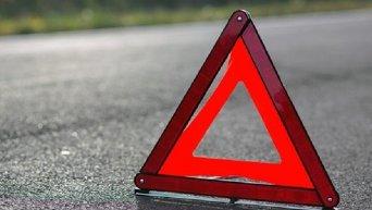 Аварийный знак на месте ДТП. Архивное фото