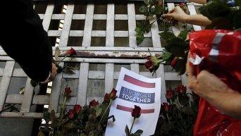 Траур по погибшим в теракте в Таиланде