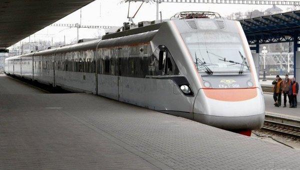 Скоростной поезд Интерсити+
