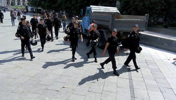 Милиция оцепила центр Киева