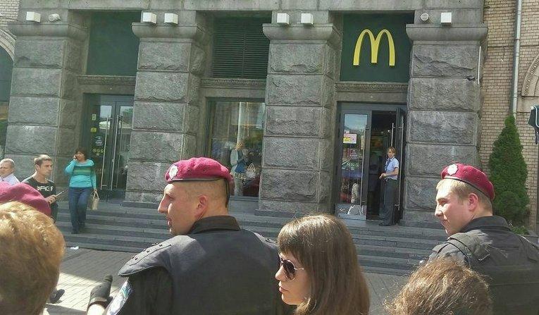 Милиция в центре Киева на Майдане Незалежности