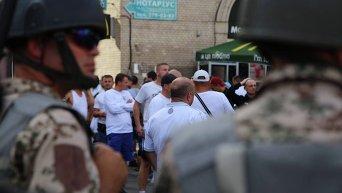 Милиция и футбольные фанаты в центре Киева