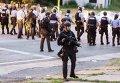 Митинг в Сент-Луисе после того, как полицейские застрелили там афроамериканца