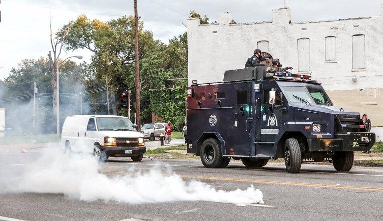 Столкновения с полицией в Сент-Луисе