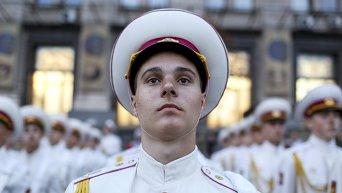 Украинский кадет во время репетиции военного марша на День Независимости