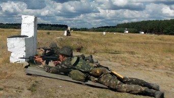 Штабные учатся стрелять: 101 бригада на полигоне в Черниговской области