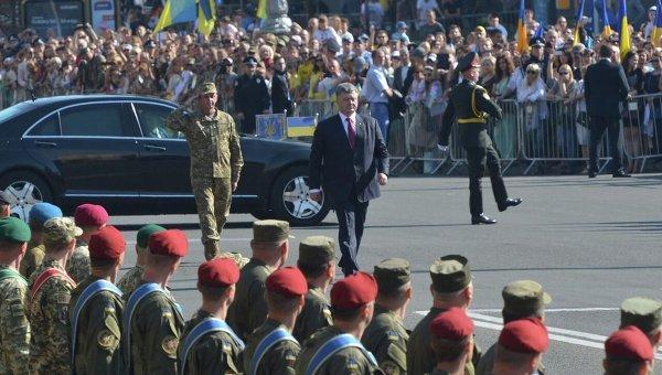 Вцентр украинской столицы свезли танки