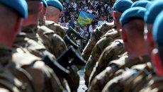 Военный марш в Киеве. Десантники