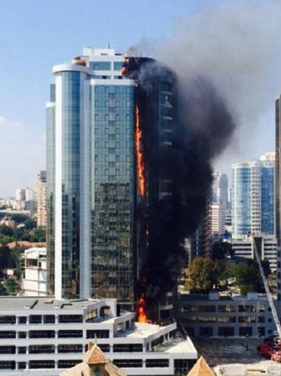 Пожар в элитном многоэтажном доме в Одессе