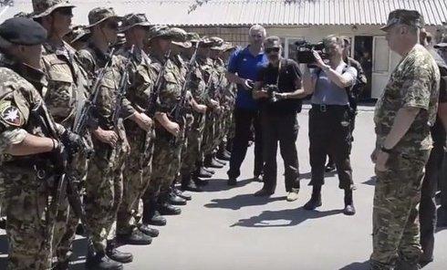 Турчинов и Захарченко в пакете. Видео