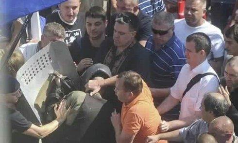 Олег Тягнибок на месте столкновений под Верховной Радой 31 августа 2015 г.