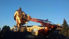 Демонтаж памятника Владимиру Ленину в Ильичевске