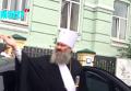 Полиция Киева остановила Mercedes настоятеля Лавры. Видео