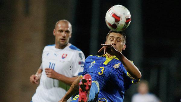 Евгений Хачериди во время матча сборных Украины и Словакии