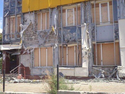 Последствия обстрелов Первомайска в Луганской области