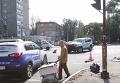 В центре Запорожья столкнувшиеся иномарки снесли светофор и знаки. Видео