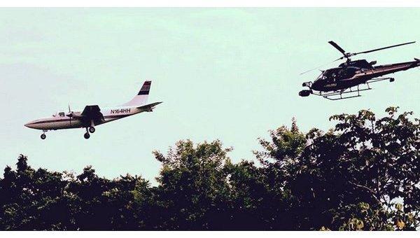 Самолет Piper PA-60 слева)