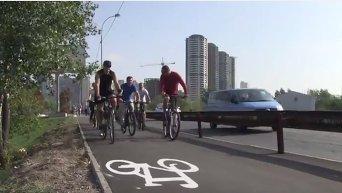 Кличко открыл велодорожку. Видео