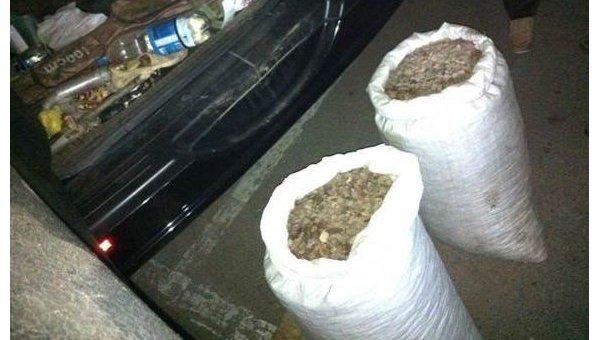 СБУ задержала скупщика янтаря с партией в 130 кг