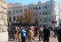 Люди в балаклавах штурмуют Харьковский горсовет. Видео