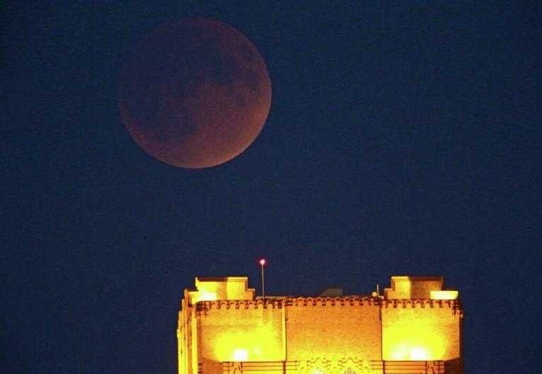 Небесное явление под названием Кровавая Луна