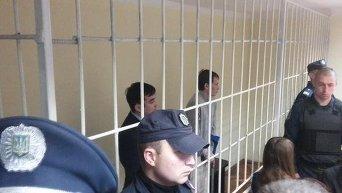 Россияне Евгений Ерофеев и Александр Александров в зале Голосеевского районного суда Киева, 29 сентября 2015 г.