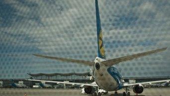 Самолет авиакомпании Международные авиалинии Украины