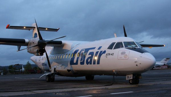 Самолет ATR42 авиакомпании UTair