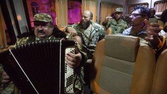 Военные священники прибыли в Киев из зоны АТО