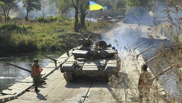 Отвод вооружений ВСУ в Луганской области (село Нижнее). Архивное фото