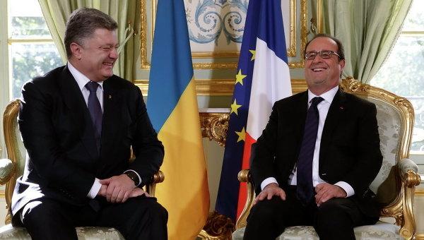 Президент Украины Петр Порошенко и президент Франции Франсуа Олланд на встрече нормандской четверки в Париже