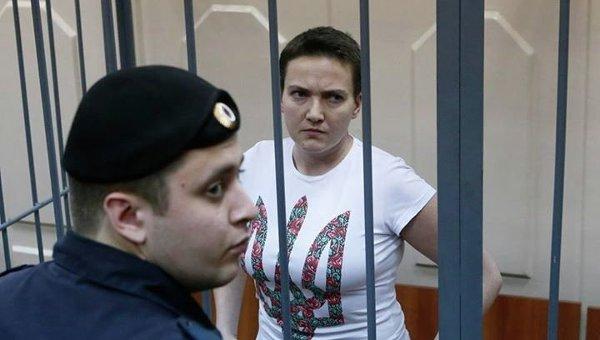 Надежда Савченко в зале суда. Архивное фото