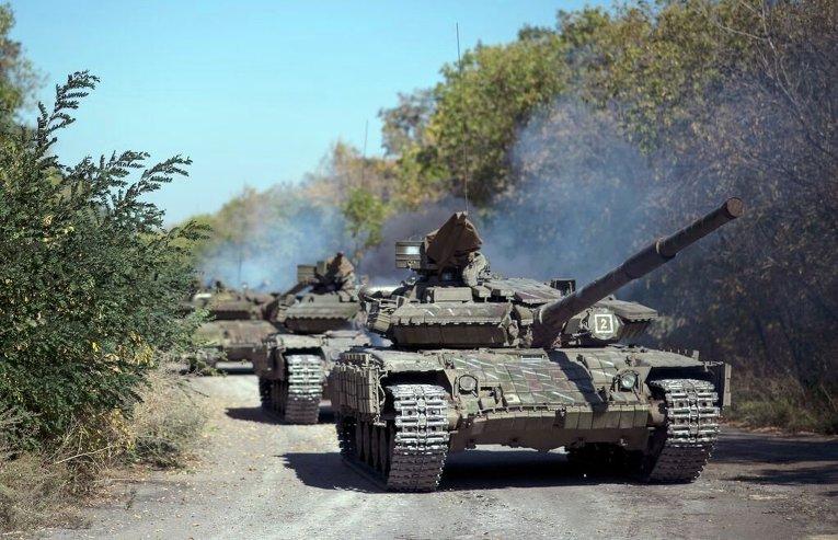 Отвод техники ЛНР близ села Александровка Луганской области