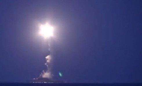 Каспийская флотилия России запускает крылатые ракеты по позициям ИГ в Сирии