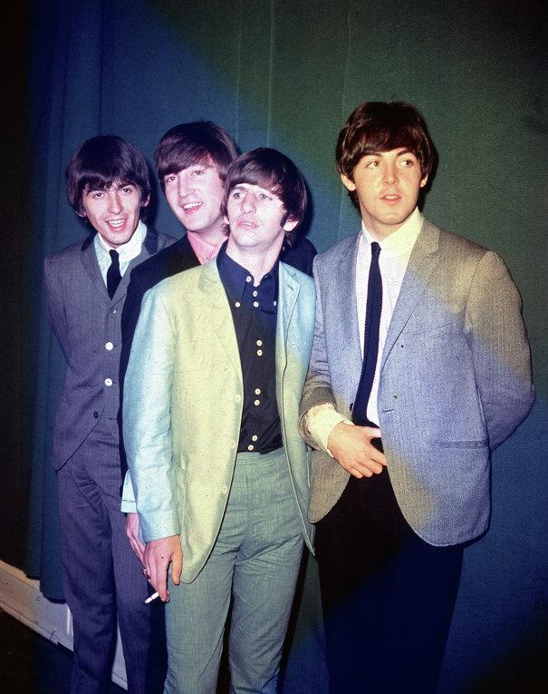 Джордж Харрисон, Джон Леннон, Ринго Старр и Пол Маккартни во время своего первого турне по США